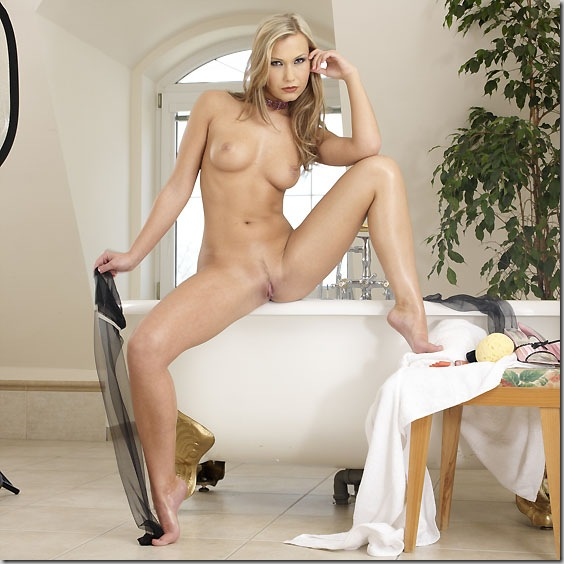 super hot blonde babe naked